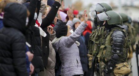 Συλλήψεις και ανθρωποκυνηγητό με την αστυνομία λίγο πριν τις αντικυβερνητικές διαδηλώσεις στη Λευκορωσία