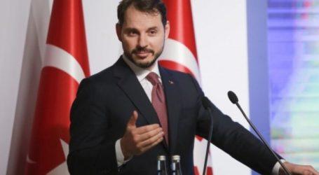 «Χάκαραν τον λογαριασμό μου» λέει ο γαμπρός του Ερντογάν για την παραίτησή του