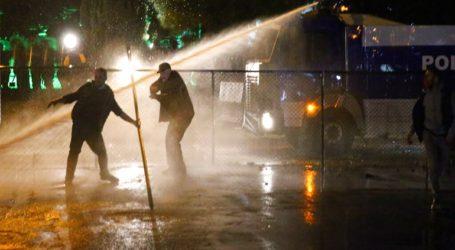 Διαδηλωτές κατήγγειλαν νοθεία στις εκλογές- Με κανόνια νερού απάντησε η αστυνομία