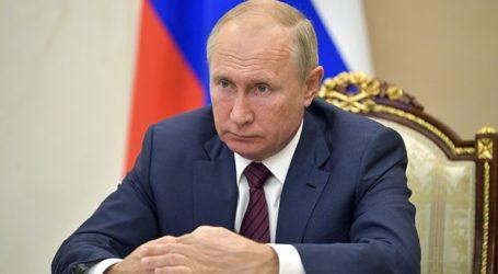 Ο Πούτιν περιμένει τα «επίσημα» αποτελέσματα για να συγχαρεί τον «επόμενο» πρόεδρο των ΗΠΑ