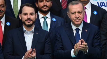 Ο Ερντογάν αποδέχθηκε την παραίτησή του