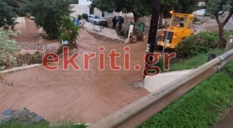 Κινδυνεύουν άνθρωποι από τις πλημμύρες στη Χερσόνησο Ηρακλείου