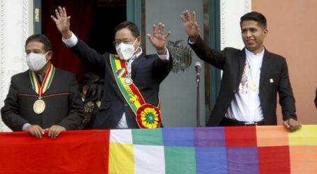 Ο νέος πρόεδρος Λουίς Άρσε συνεχίζει να παραδίδει μαθήματα οικονομίας στο πανεπιστήμιο