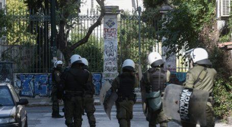 Επέμβαση αστυνομικών δυνάμεων στο Πολυτεχνείο