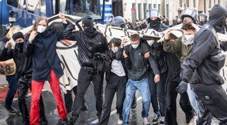 Διαδηλώσεις κατά της χρήσης μάσκας και των περιοριστικών μέτρων σε πολλές πόλεις της Γερμανίας