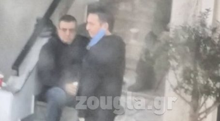 Ο βουλευτής Μεσσηνίας ΝΔ., Περικλής Μαντάς, παρά το lockdown, πίνει τον καφέ του με παρέα στην Καλαμάτα