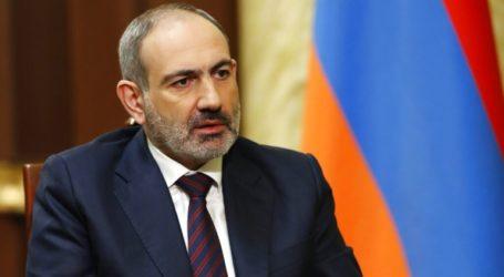 Ο πρωθυπουργός Πασινιάν απευθύνει έκκληση στην αντιπολίτευση «να απαρνηθεί τη βία»