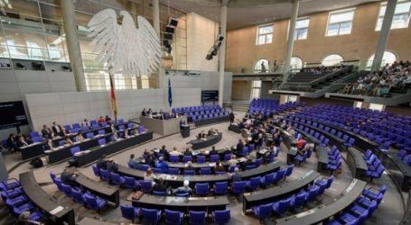 Η Bundestag ζήτησε απαγόρευση των Γκρίζων Λύκων