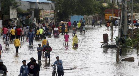 Δεκάδες χιλιάδες άνθρωποι εκκένωσαν περιοχές ενόψει επερχόμενου κυκλώνα