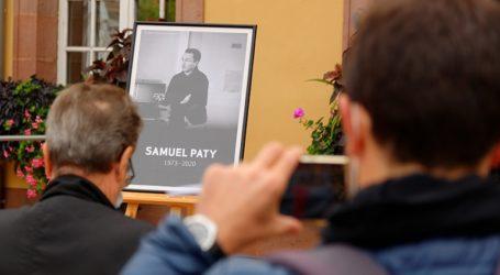 Δικαστική δίωξη κατά ακόμη τεσσάρων μαθητών για τη δολοφονία του Σαμουέλ Πατί