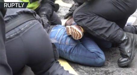 Σφοδρές συγκρούσεις αστυνομίας με διαδηλωτές κατά του lockdown στο Λονδίνο