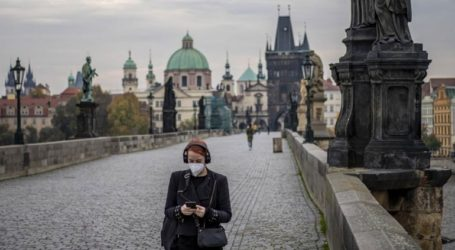 Ανοίγουν από την Πέμπτη τα καταστήματα και τα εστιατόρια στην Τσεχία