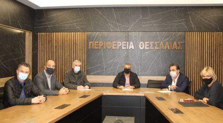 Ξεκινούν από την Περιφέρεια Θεσσαλίας στοχευμένες παρεμβάσεις για τη βελτίωση της οδικής ασφάλειας στην Ε.Ο. Λάρισας- Βόλου