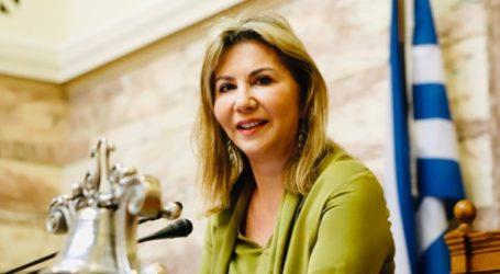 Ζέττα Μακρή – Με παρέμβασή της στηρίζει τις προτάσεις της σύμπραξης των εκδοτών