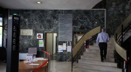 Έξυπνη πύλη (smart gate) θερμομέτρησης στο Δημαρχείο της Λάρισας