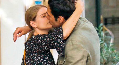 Δανάη Μιχαλάκη – Γιώργος Παπαγεωργίου: Παθιασμένα φιλιά στη μέση του δρόμου!