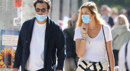 Ana Beatriz Barros: Βόλτα στη Γλυφάδα με τον Ελληνοαιγύπτιο κροίσο σύζυγό της