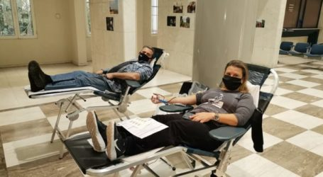 Ανταποκρίνονται οι Λαρισαίοι εθελοντές αιμοδότες στην επείγουσα έκκληση των Νοσοκομείων της πόλης για αίμα (φωτο)