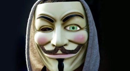 Η μάσκα της εξέγερσης και ο άνθρωπος από πίσω της