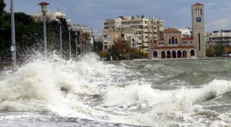 Για σποραδικές καταιγίδες και ισχυρούς ανέμους προειδοποιεί το Κεντρικό Λιμεναρχείο Βόλου
