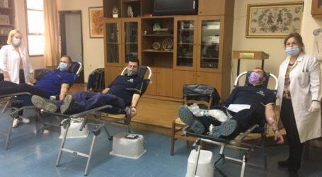 Έδωσαν το …αίμα τους υπάλληλοι και συνταξιούχοι του ΟΤΕ Λάρισας