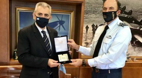 Μ. Χαρακόπουλος με Αρχηγό ΓΕΑ: Να διατηρήσουμε την κυριαρχία μας στους αιθέρες!