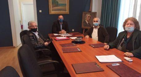 Την συνδρομή του δημάρχου Τυρνάβου Γιάννη Κόκουρα ζήτησαν πρόεδροι Συλλόγων παράλιων περιοχών για το ιδιοκτησιακό