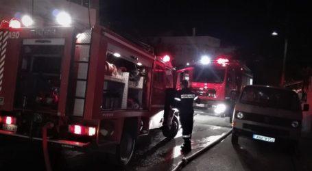 Βόλος: Σοβαρές ζημιές σε αποθήκη μετά από πυρκαγιά