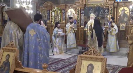 Καρέ – καρέ ο μοναχικός εορτασμός του Αγίου Νικολάου στον Βόλο [εικόνες]