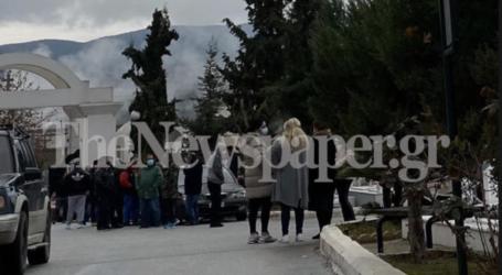 Βόλος: Απίστευτος συνωστισμός σε κηδεία ρομά [εικόνα]