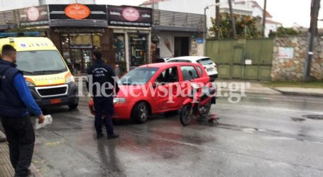 ΤΩΡΑ: Τροχαίο με δύο τραυματίες στη Νέα Ιωνία – [Εικόνες]