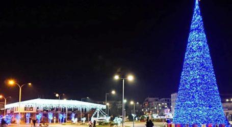 Κορωνοϊός : Το χριστουγεννιάτικο τραπέζι φοβίζει τους ειδικούς – «Φρένο» στη διεύρυνση του ωραρίου για ρεβεγιόν