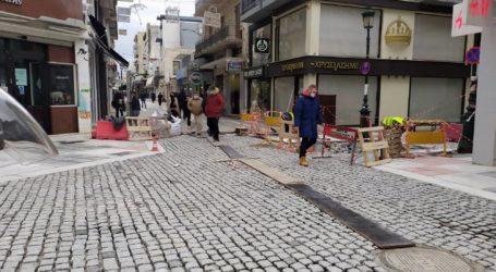 Ολοκληρώνονται οι εργασίες αλλαγής κυβόλιθων στην οδό Σπυρίδη [εικόνες]
