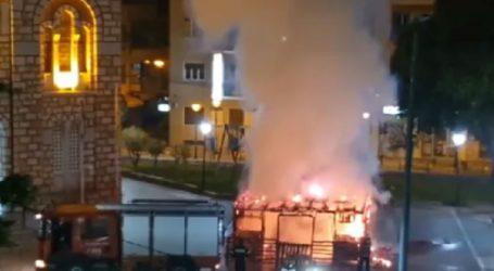 Πυρκαγιά κατέστρεψε τη φάτνη που είχε στηθεί στο προαύλιο του ναού του Αγίου Νικολάου