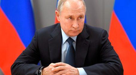 Να ξεκινήσει την επόμενη εβδομάδα ο μαζικός εμβολιασμός για τον Covid ζητεί ο Πούτιν