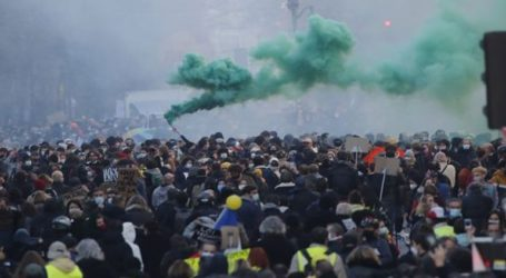 Σοβαρά επεισόδια στο Παρίσι σε διαδήλωση κατά της αστυνομικής βίας