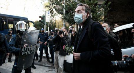 Ελεύθεροι αφέθηκαν ο Κώστας Παπαδάκης και ο Θανάσης Καμπαγιάννης