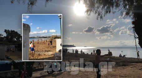 Συνωστισμός σε παραλία στο Καβούρι εν μέσω lockdown