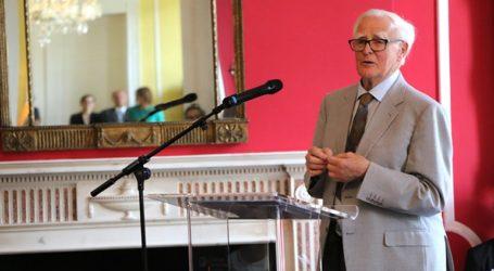 Πέθανε στα 89 του χρόνια ο συγγραφέας Τζον Λε Καρέ