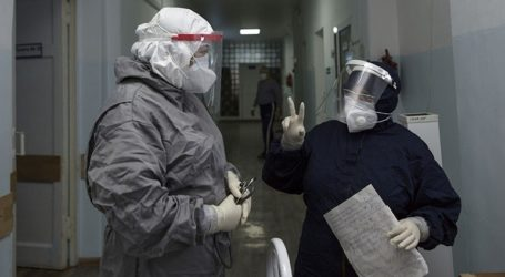 Το τελευταίο 24ωρο καταγράφηκαν 27.328 νέα κρούσματα και 450 θάνατοι από κορωνοϊό