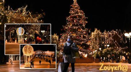 Χριστούγεννα στην Αθήνα εν μέσω lockdown
