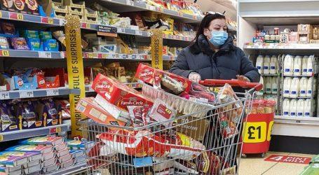 Πανικός στα σούπερ μάρκετ της Βρετανίας
