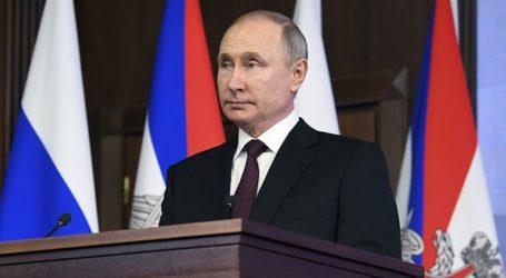 Ο Πούτιν υπέγραψε νόμο που επιτρέπει σε πρώην προέδρους να γίνουν ισόβιοι γερουσιαστές