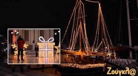 Χριστούγεννα στον Πειραιά μέσα στην καραντίνα