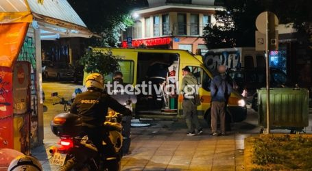 Αιματηρό επεισόδιο με έναν τραυματία στο κέντρο της Θεσσαλονίκης