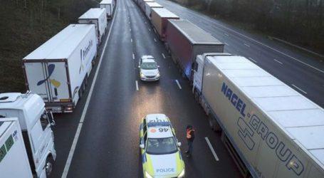 Χριστούγεννα στο τιμόνι ίσως κάνουν Έλληνες οδηγοί φορτηγών στα σύνορα Γαλλίας-Βρετανίας