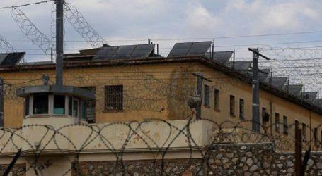 Εντοπίστηκαν ζάρια, τσίπουρο, τηλεοράσεις, σουβλιά και… ασπίδες σε κελιά του Κορυδαλλού