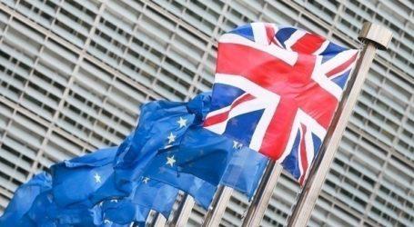 Οι αντιπρόσωποι των χωρών μελών εξετάζουν την εμπορική συμφωνία μεταξύ Λονδίνου και Βρυξελλών