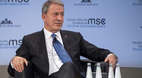 Ο Τούρκος υπουργός Άμυνας μεταβαίνει στη Λιβύη