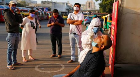 Χιλιάδες τα νέα κρούσματα στην Ινδία